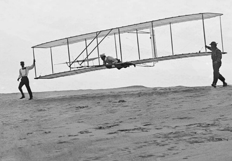 Wright Brothers Glider Tests 1902